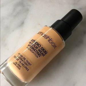 smashbox studio skin 15 hour wear foundation 2.2